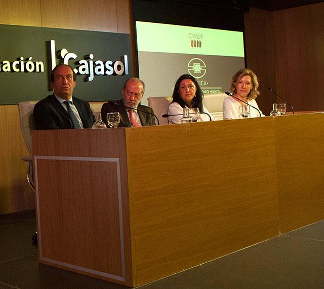 De izquierad a derecha, José Ramón Benítez García, Fernando Rodríguez Villalobos, Cristina María López Marín y Concha Cobreros Vime