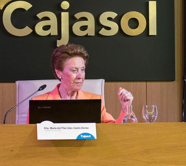Pilar León-Castro